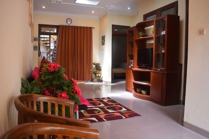 Ndalem Cemara Homestay Yogyakarta