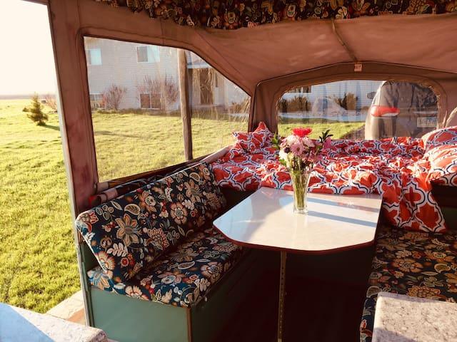 Pop-up Camper for Rent