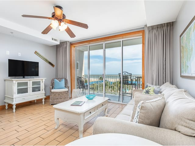 Ocean Views from your living room and balcony! Beachfront Resort with Community Pools, Pet Friendly! - Tybee Beach Club 136