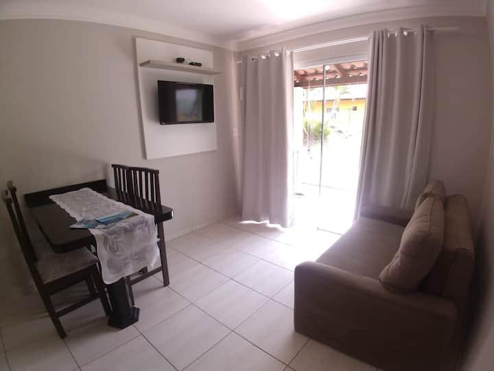Casa p/ 3 pessoas 80m da Praia de Bombinhas