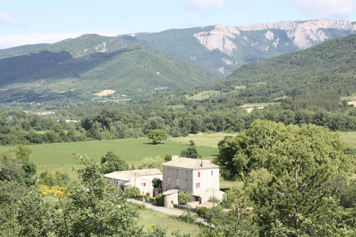 Bastide's farm close Lure and Sisteron