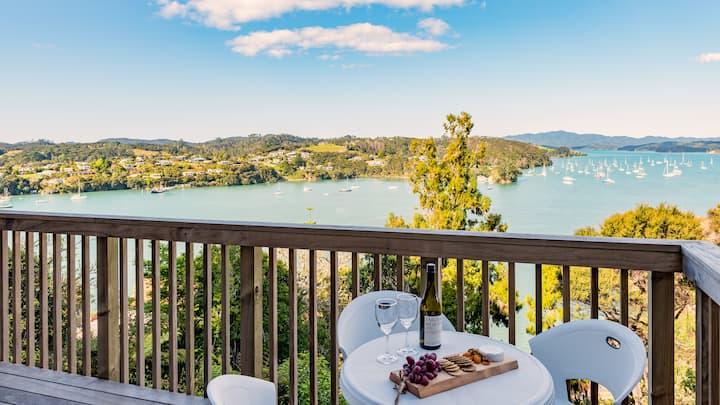 Luxury 1 bedroom apartment - ocean & harbor views