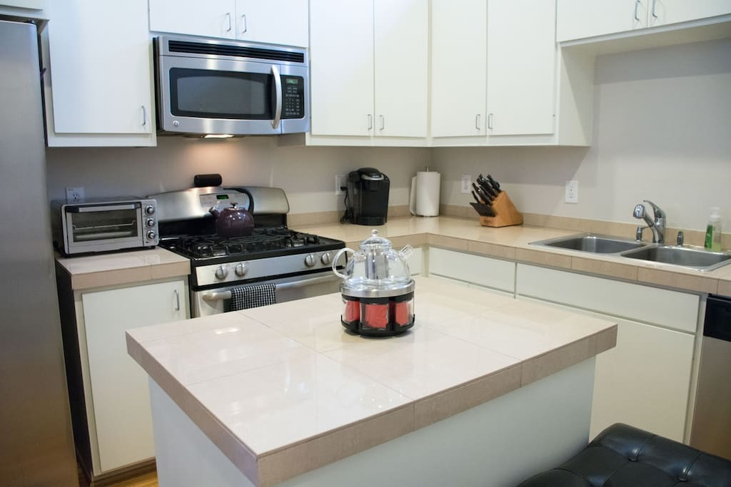 Spacious, updated kitchen with stainless steel applicances