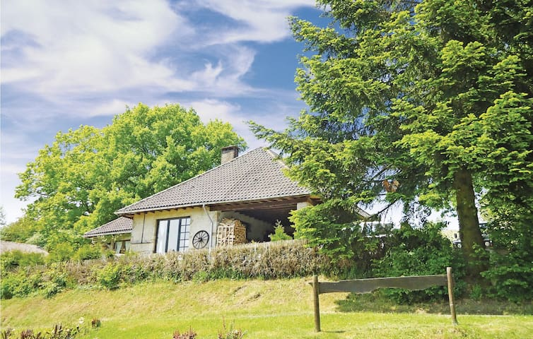 Holiday cottage with 3 bedrooms on 160m² in Chevron
