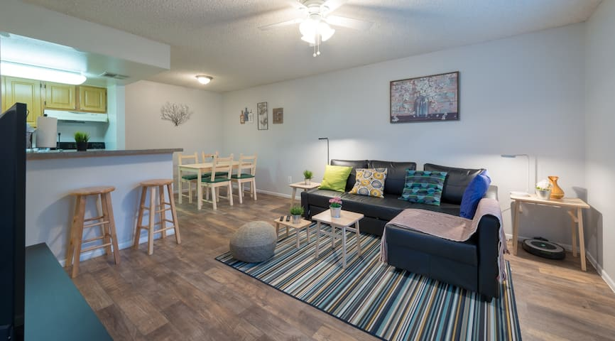 Cozy Unit NEXT TO the UNIVERSAL and Other Parks!!!
