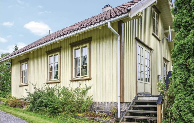 Holiday cottage with 2 bedrooms on 85m² in Mykland
