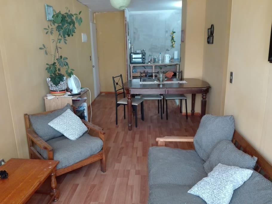 Sala y Comedor, para una estancia cómoda y disfrutar de Música o TV