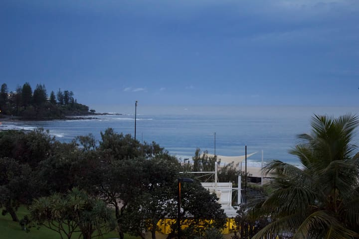 chic beach apartment with ocean views - Kings Beach - Apartment