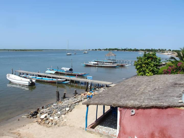 Ndangane, apartment with a view of the Sine Saloum