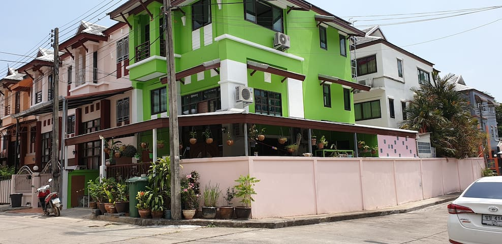 Phuket Chalong Banyan Villa Room 1