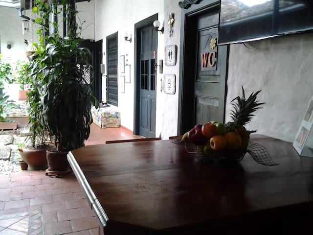 Auténtica Casa Colonial con más de 100 años