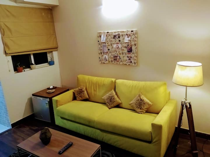 Independent Suites/Studio 15min. from DLF mall