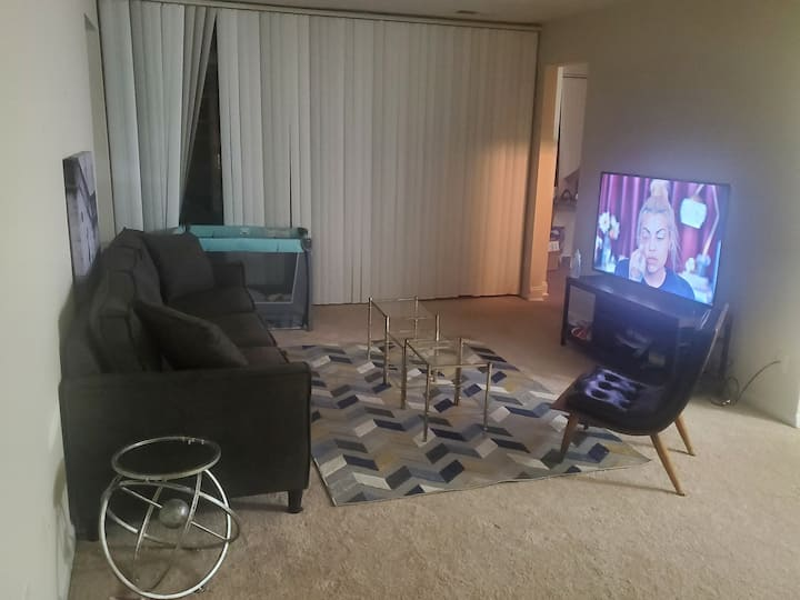 Master suite in 3b apartment/ I won't be there.