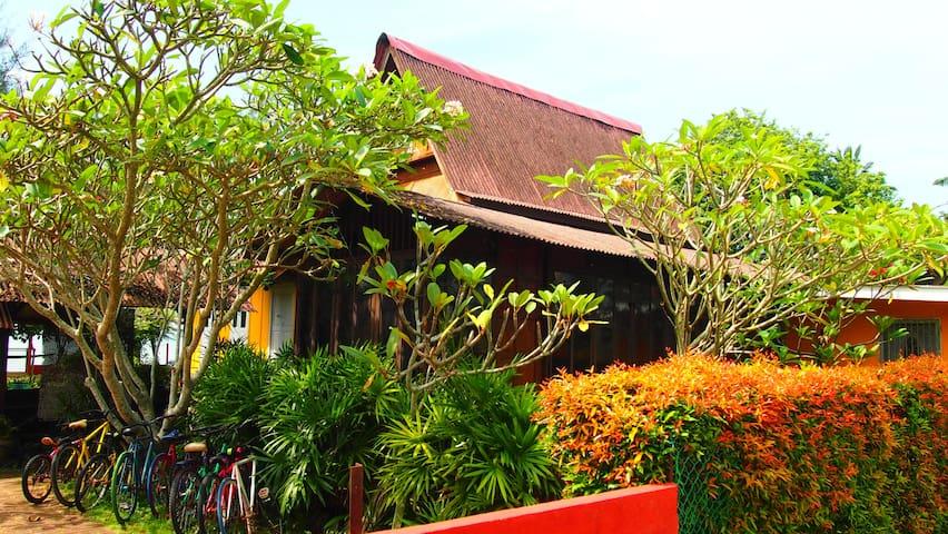 Homestay Kuala Sg Baru Melaka (Seafrontage)