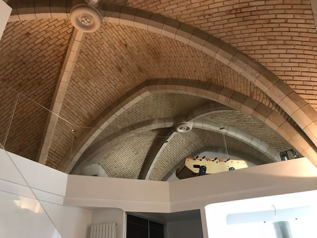Pau centre: duplex contemporain dans Chapelle...