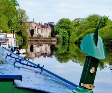 """York Funky chic' Houseboat """"Nice One"""""""