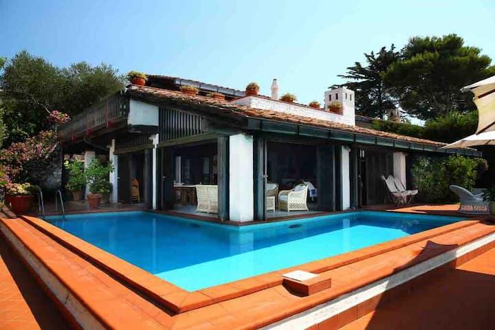 Villa con piscina e vista sull'Argentario. WiFi