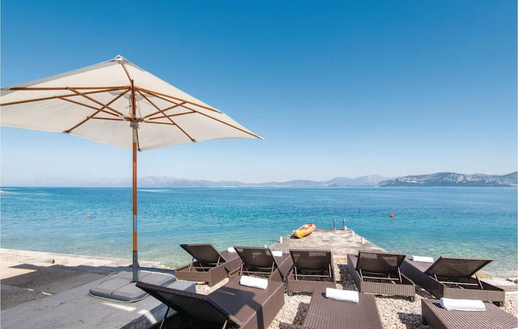 Holiday apartment with 4 bedrooms on 165 m²