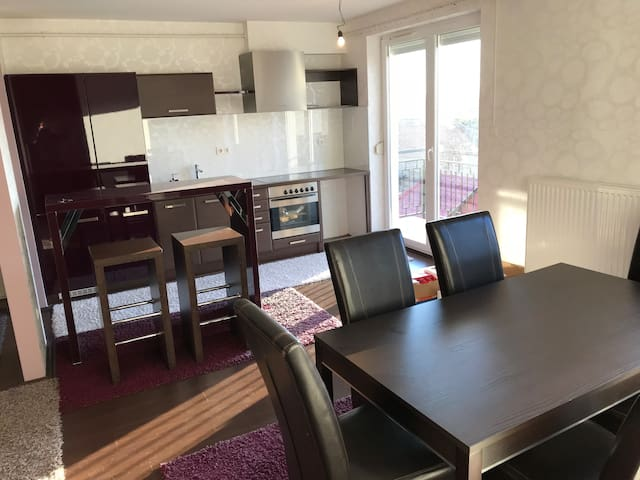Deluxe Home