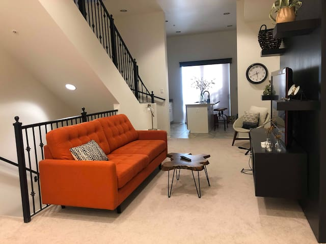 Amazing, New Townhome in the Heart of Tempe (2Br)