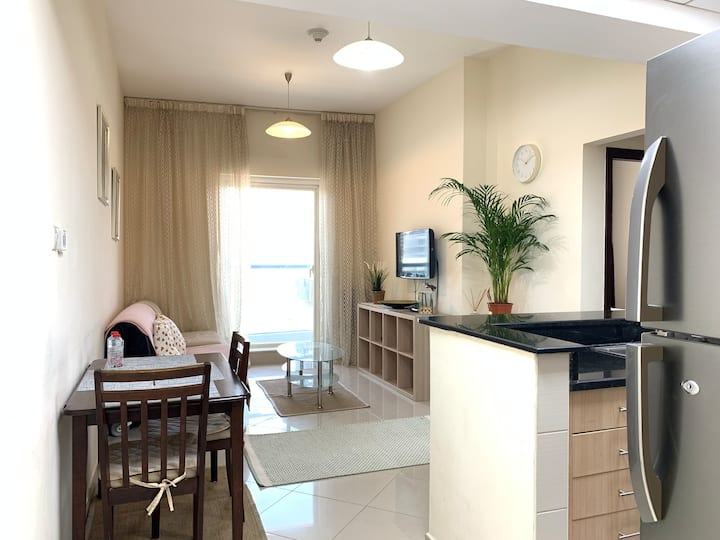 Small & cozy 1br, with parking near the metro JLT.