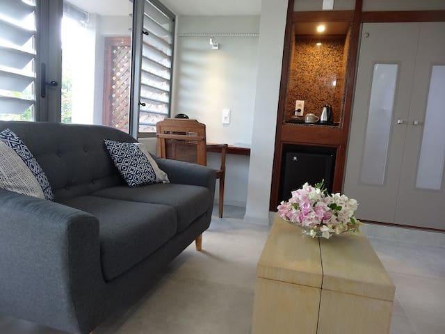 chambre 2 coin salon