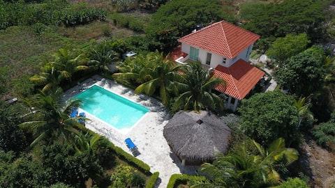 Villa vacacional en Bahia de Ocoa