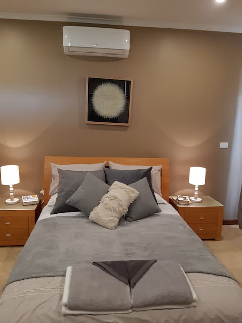 Eastgrove Oasis, cosy home away from home.
