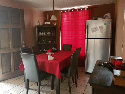 Comoda habitación en colonia residencial Mixco