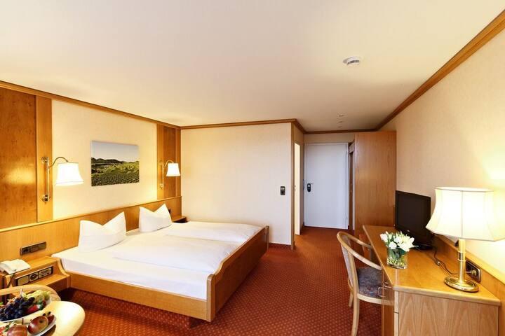 Hotel-Restaurant Rebstock, (Vogtsburg-Bickensohl), Doppelzimmer ohne Balkon