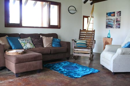2 bedroom cottage close to beach! - Pedasi - บ้าน
