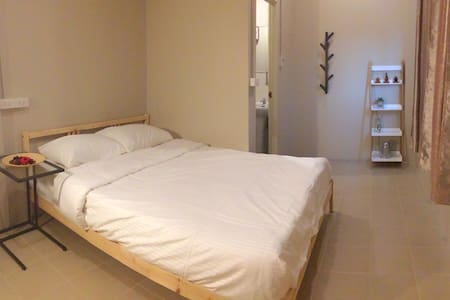 Private room just 10mins to bts&30mins to airport - Bangkok
