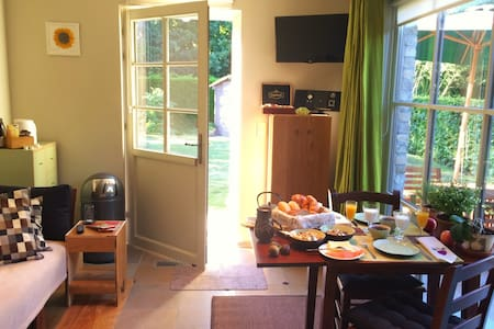 New 3-space 42m² lovely B&B, free bikes & garden - Bruges - Hus