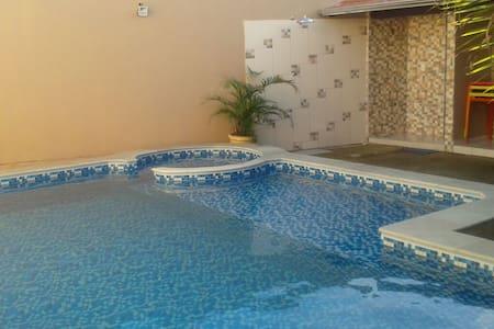 Casa c/ piscina para até 10 pessoas em Pirenópolis - Pirenópolis