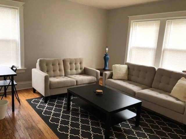 Modern University City 3 Bed Living Space