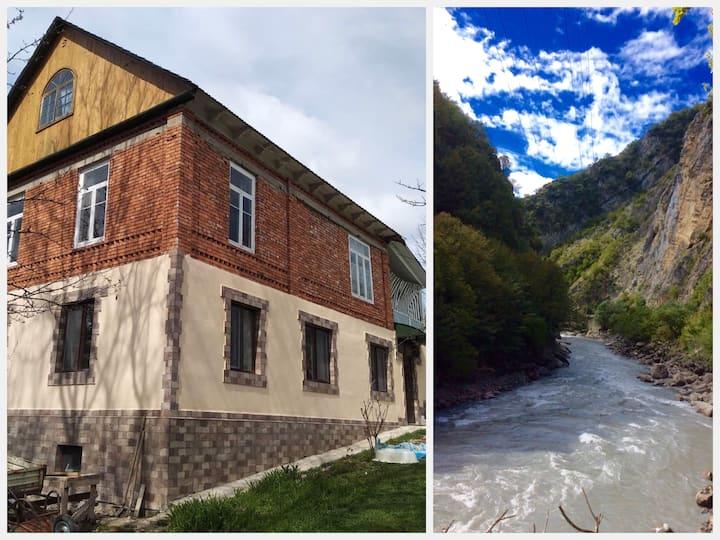 Mtashi House - дом в горном селе