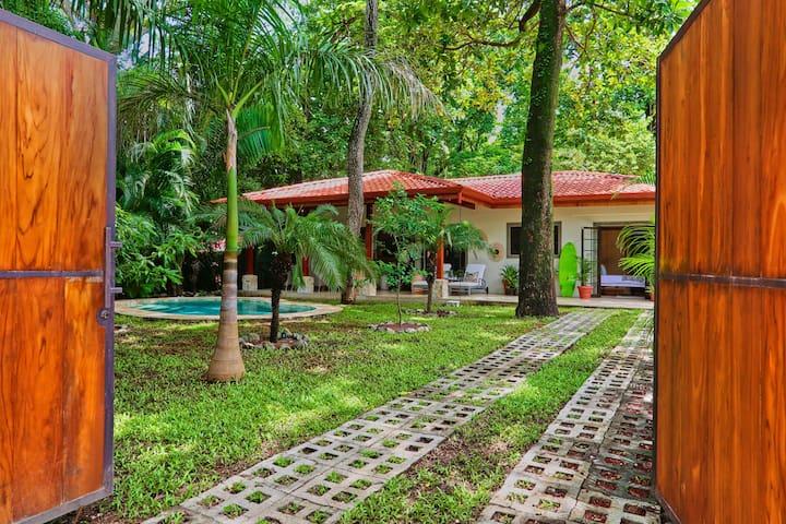 Casa Siesta in Nosara 3 BR- 500 steps to beach