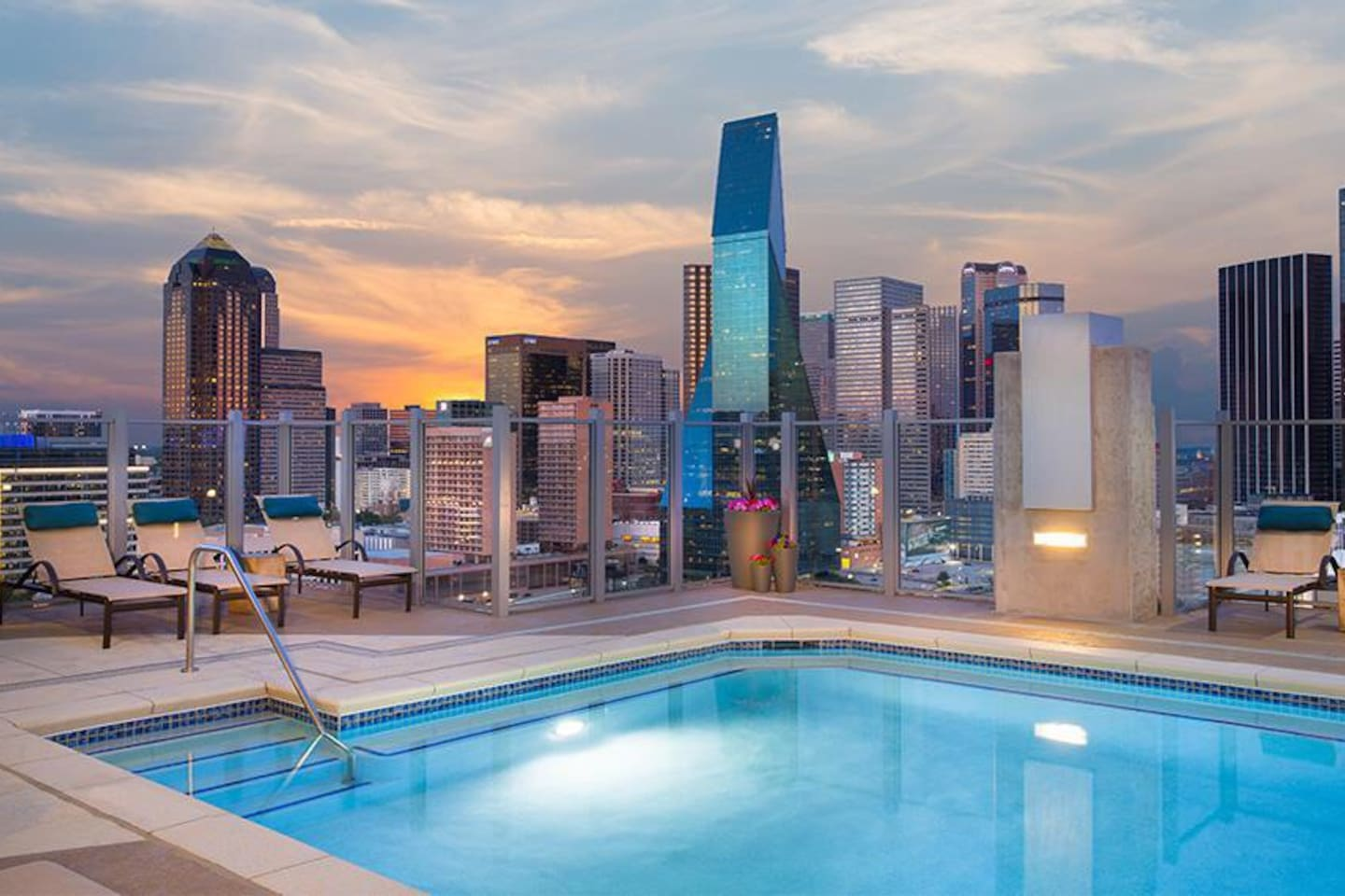 Amazing Views of Downtown Dallas that will leave you speechless