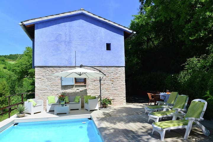 Beautiful house with private swimming pool, spacious garden and beautiful surroundings