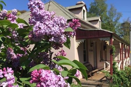 Historic Blue Mountains Cottage - Mount Victoria
