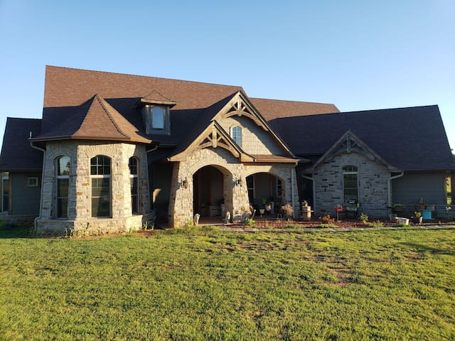 Large riverside country home on 11 acres