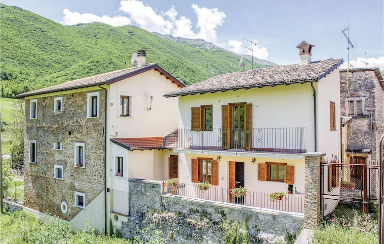 Holiday apartment with 1 room on 30m² in Santi di Preturo AQ