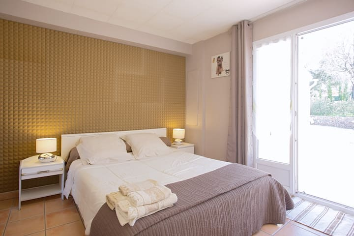 Villa T2 chez le propriétaire - Brignoles - บ้าน