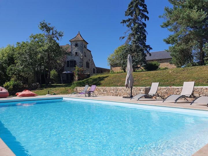 Belle propriété quercynoise avec piscine et parc