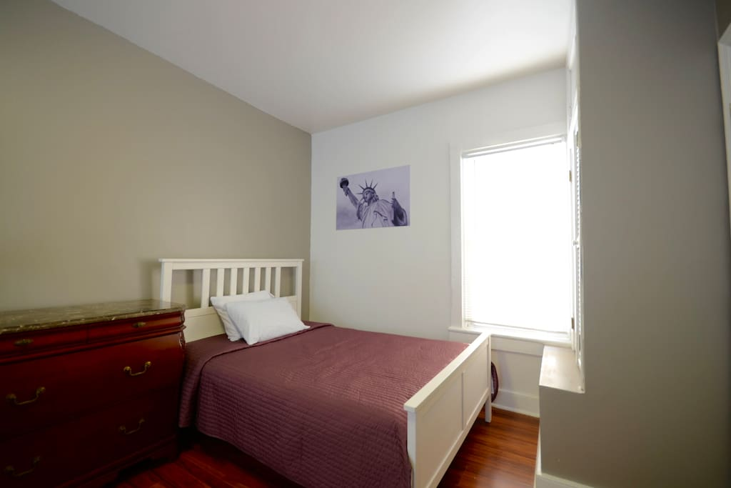 5 BLOCKS FROM PRUDENTIAL CENTER-BOOK NOW