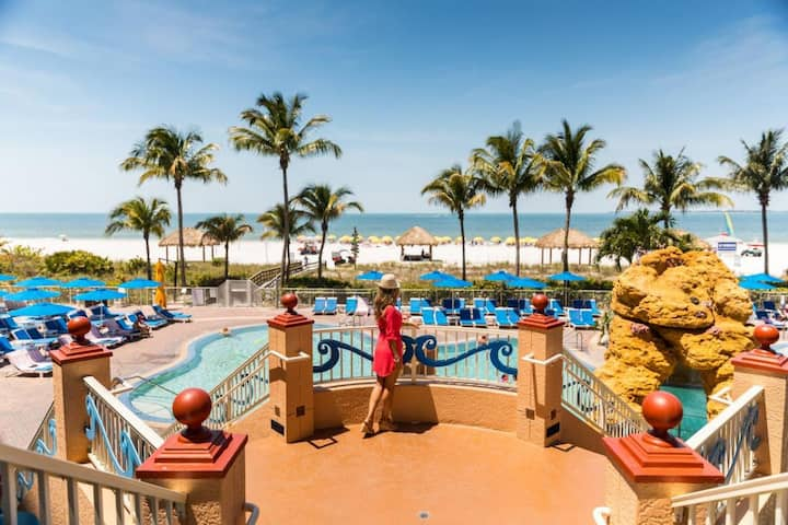 GROUP STAY ON THE BEACH! 2 GREAT WATERFRONT SUITES