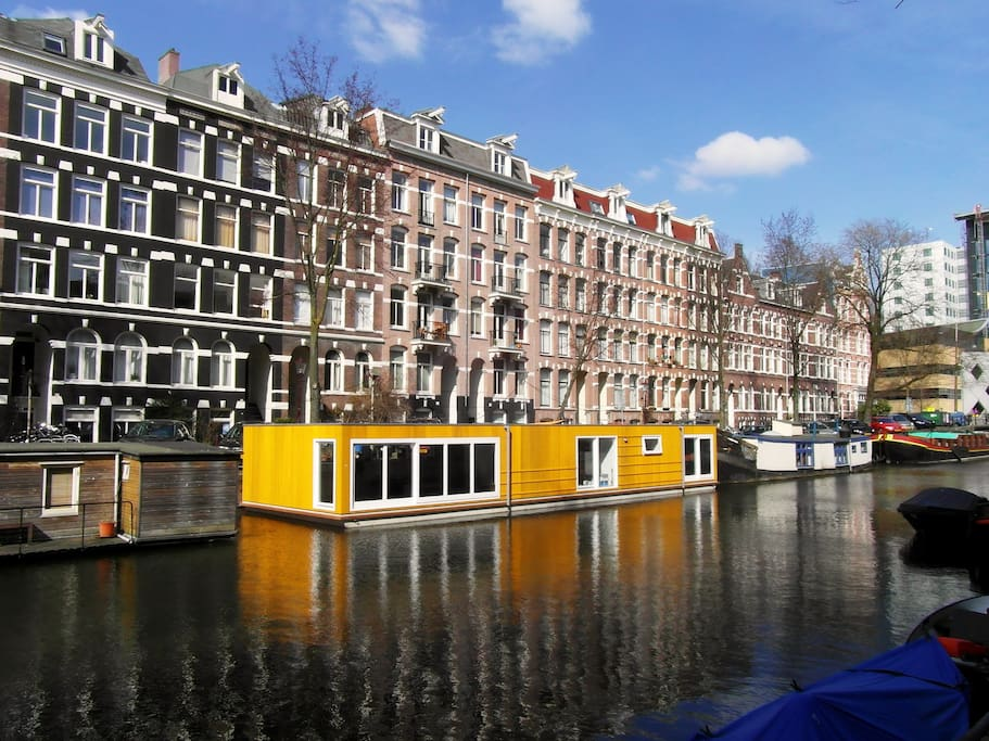 Amsterdam houseboat centre airbnb 408inc blog for Airbnb amsterdam