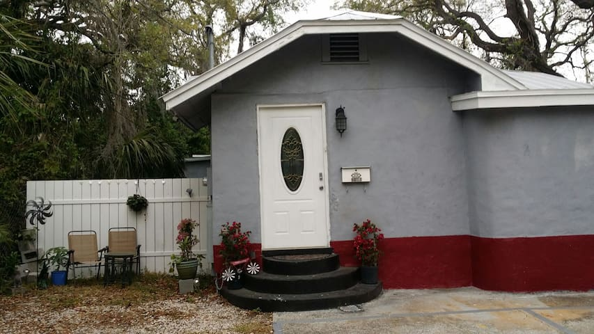 Trendy home in the heart of Ybor city Tampa