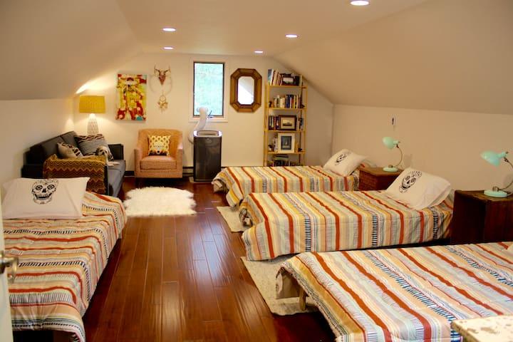 Near Sand Valley - 3 New Rooms in 1 Beautiful Home - Nekoosa - Casa