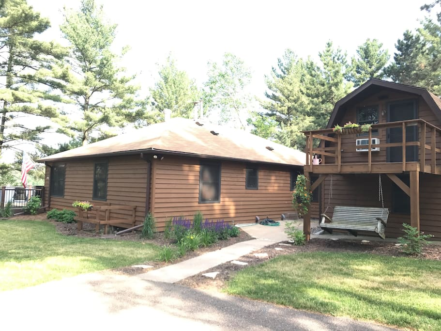 Remodeled cabin on lake wissota cabins for rent in for Falls lake cabin rentals